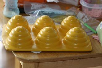 Cool Beehive Cupcake Pan Cup Cake Bee Hive Mormon Site
