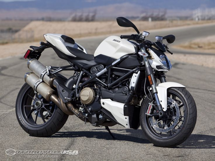 Ducati Streetfighter: my white stallion