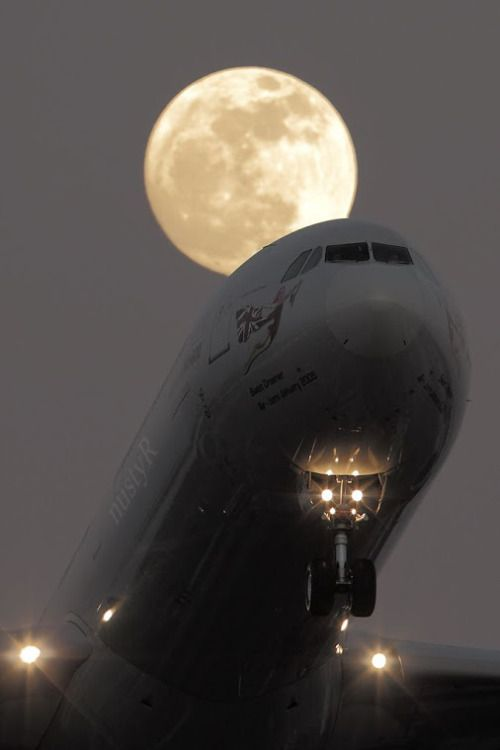 The Moon and Aircraft !IEC
