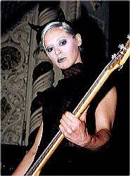 D'arcy Elizabeth Wretzky-Brown, también conocida simplemente como D'arcy, nació el 1 de mayo de 1968, en South Haven, Míchigan. Es una bajista, conocida por su trabajo con la banda de rock alternativo Smashing Pumpkins, proveniente de Chicago. Además de tocar el bajo ha tocado violín clásico y oboe.