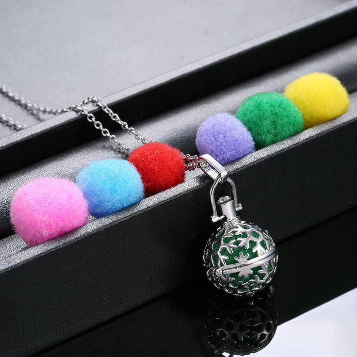 Women Perfume Fragrance Necklaces Flower Aromatherapy Locket  Essential Oil Diffuser Necklaces & Pendants Women Jewelry