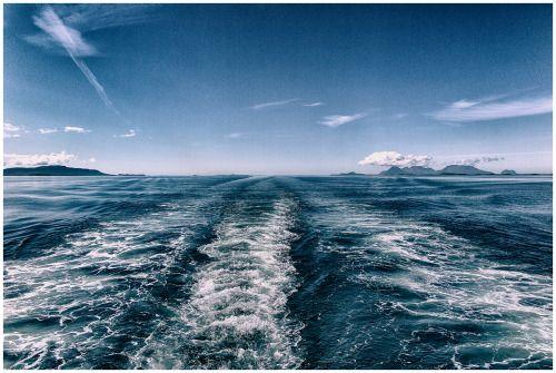Stern Waves - Copyright Teemu Tuuloskorpi