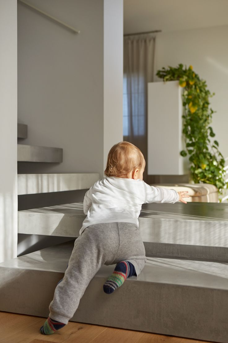 Scale in #Microtopping? A prova di #bambino! #babyproof #stairs #concrete