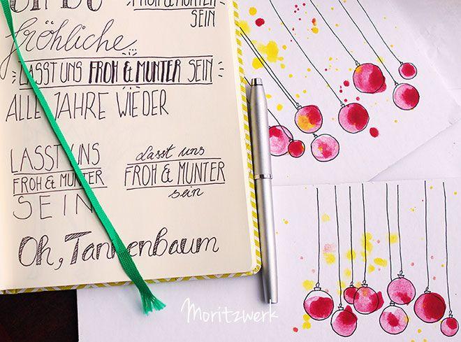 Weihnachtskarte_zuerst Aquarellfarbe als Kleckse (auch unregelmäßig), ein paar Farbspritzer, dann mit schwarzem Stift die Kugeln und Aufhänger, ev. auch Schrift_von moritzwerk.de
