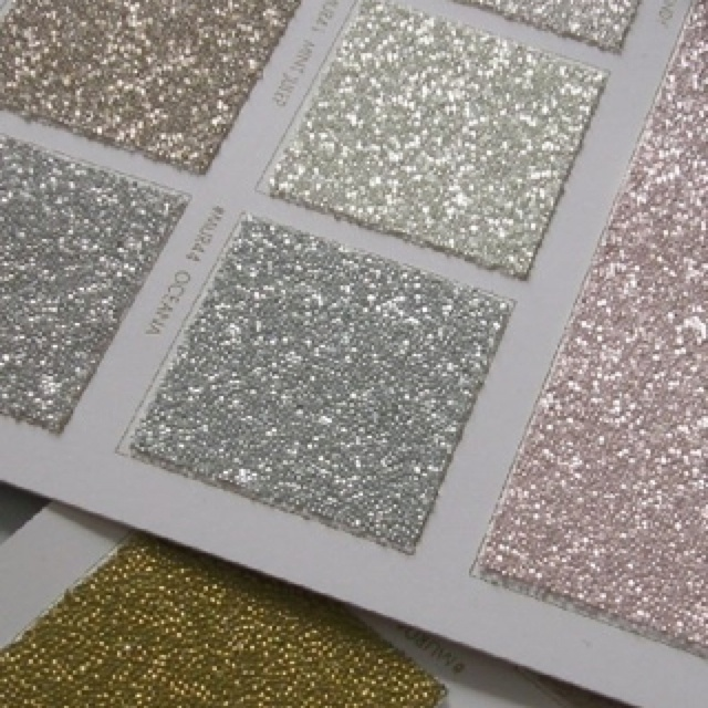Glitter wallpaper...i probably shouldn't even know about this!!! To go with the glitter floor and glitter tile in my house made of glitter lol!