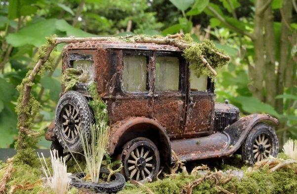 Rusted 1923 Ford Fordor Sedan ~ 1:43 Die Cast O Scale