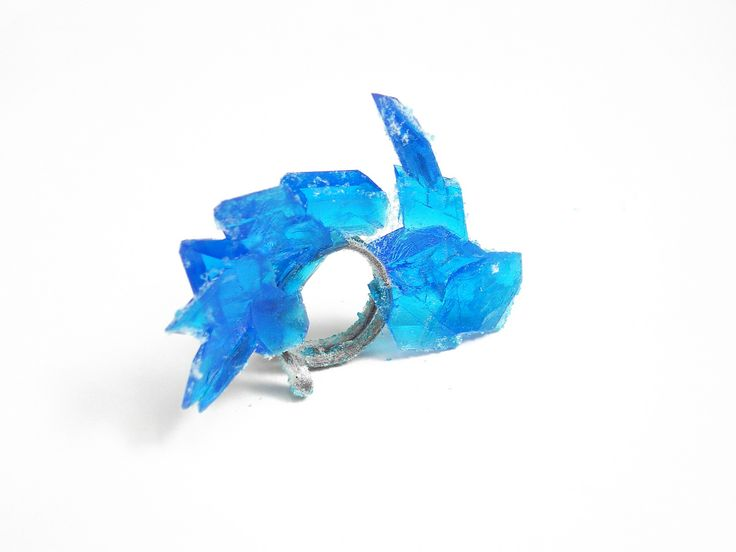 "Anillo ""Efímero"". Plata 925, sulfato de cobre. / Ring. Sterling silver, copper sulfate. by Patricia Gallucci"