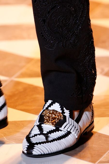 Versace   Spring 2015 Menswear Collection      Check out my blog www.abdelicious.com