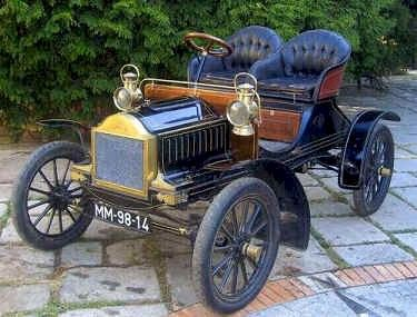 1904 Oldsmobile Roadster - (Oldsmobile Motors division of General Motors Corp, Lansing, Michigan 1897- 2004)