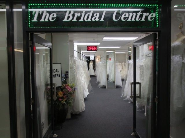 The well known bridal wear shop in Brisbane area which provides quality bridal gowns and accessories and also makes bridal veil, tiara of the bride.