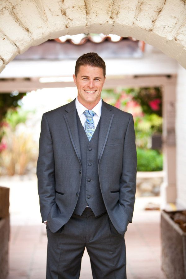 LOVE the gray 3 piece suit with blue paisley tie! Don't forget the pocket square.. this is my Corbynn on my wedding dayy(: