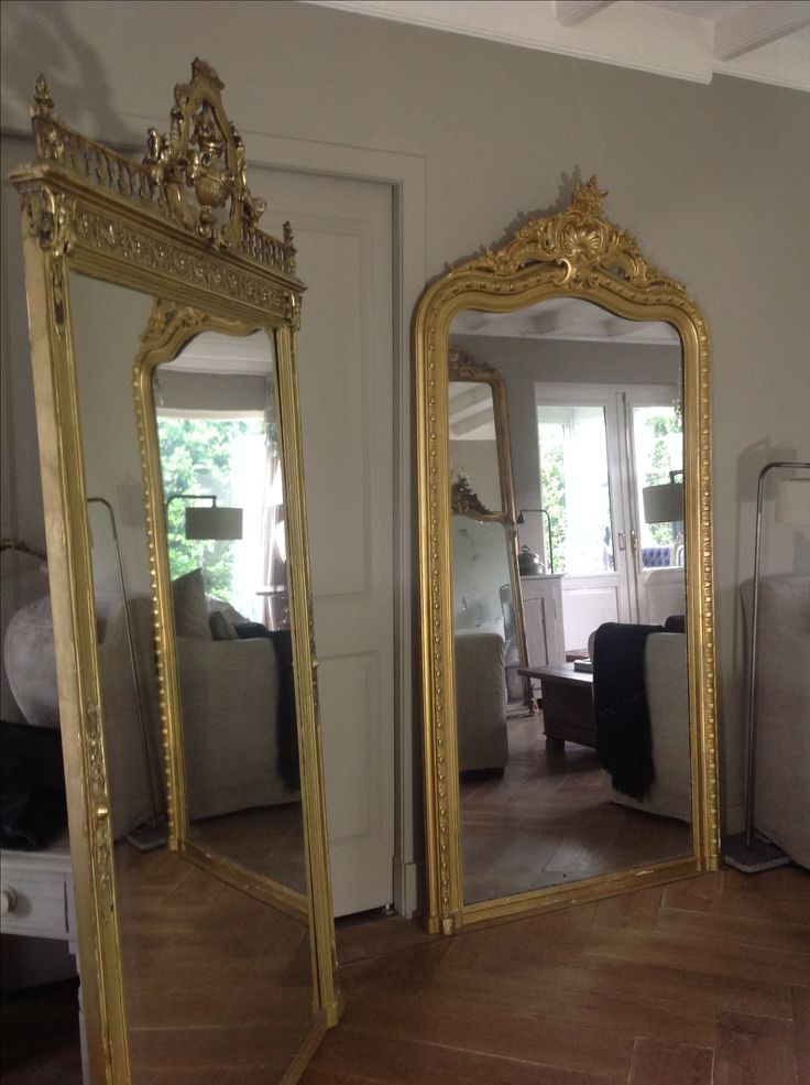 Antieke spiegel  The- Robin