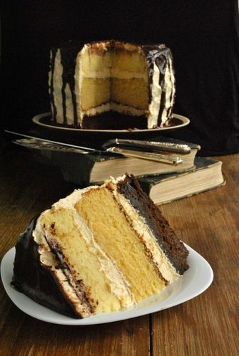 безумный шляпник - Chocolate Caramel & White Cake with Caramel Buttercream and Chocolate Ganache