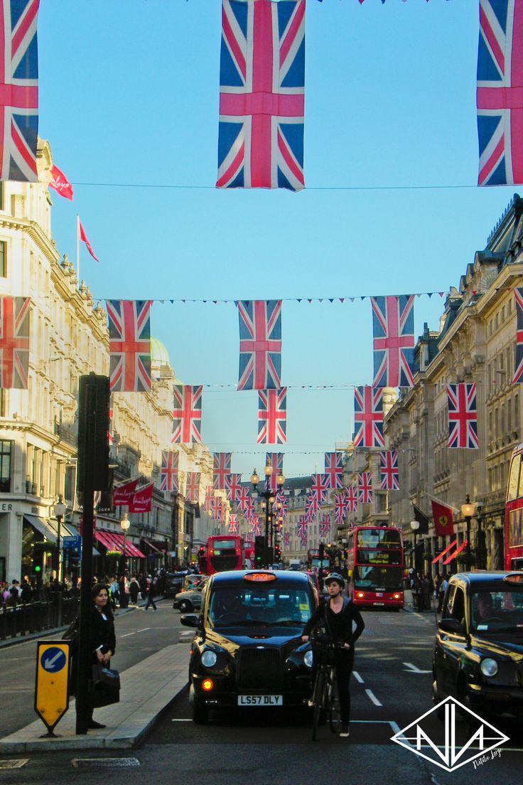London 3 days before the Royal Wedding, England UK | Natalie Large Photography