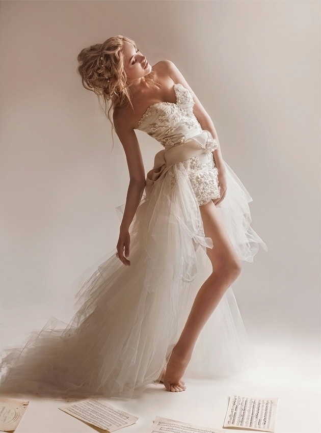 43 best sexy wedding dresses images on pinterest for Sexy designer wedding dresses
