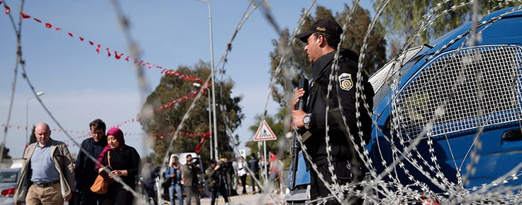 Doi studenți tunisieni, suspectați că au pus în pericol siguranța națională