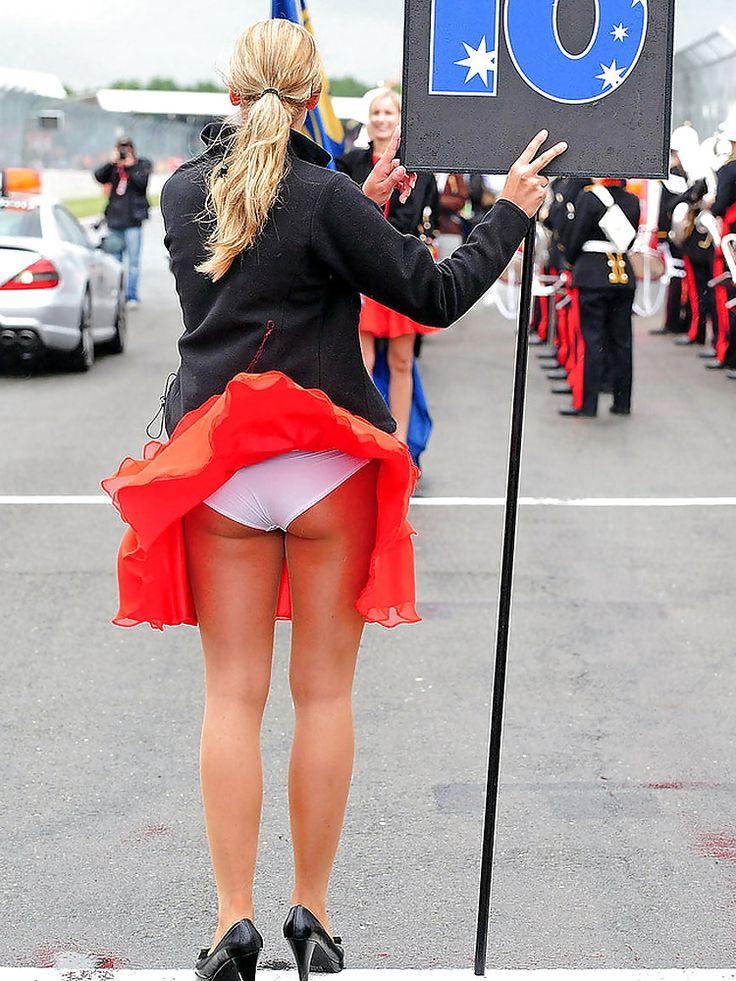 Windy Dress Clips Woman 44