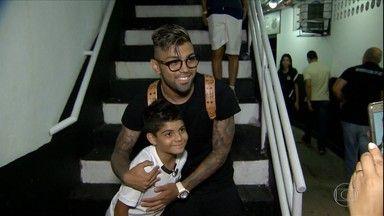 Globo Esporte SP | Dia especial: Corinthians convida refugiados e imigrantes para assistir jogo em Itaquera | Globo Play