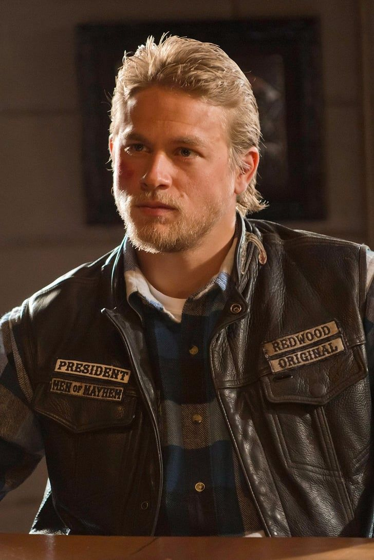 25 Pictures Of Charlie Hunnam On Sons Of Anarchy That Are Nothing Short Of Badass Sons Of Anarchy Charlie Hunnam Anarchy
