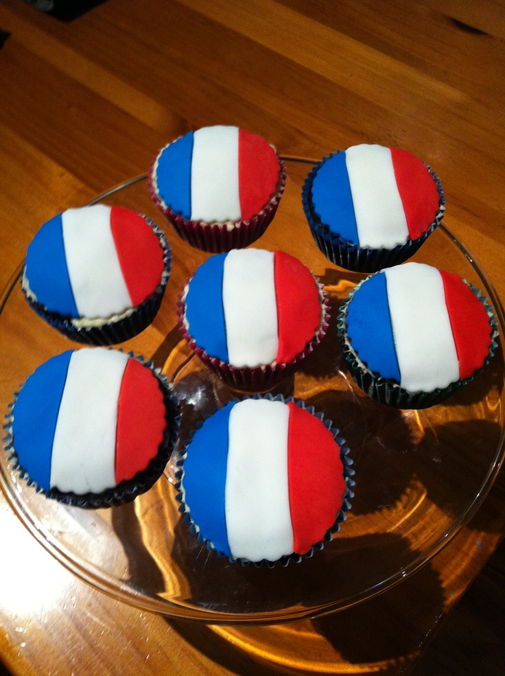 French themed cup cakes