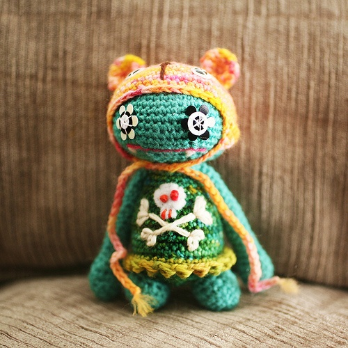 Pia, the Hipster Monster, crochet by Milky RobotCrochet Ideas, Amigurumi Monsters, Crafts Amigurumi, Hipster Monsters, Milky Robots, Crochet Things, Knits Things, Monsters Crochet, Crochet Knits