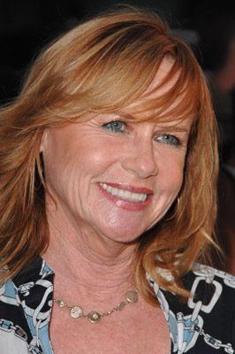 Just watched Amy Madigan in an ep of How to Get Away With Murder. I was reminded of what a fine actress she is.