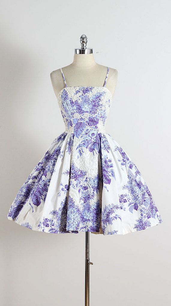 ➳ vintage 1950s dress & shawl  * purple floral cotton * tulle lining * white sequins accents * bodice stays * purple/white shawl * metal back
