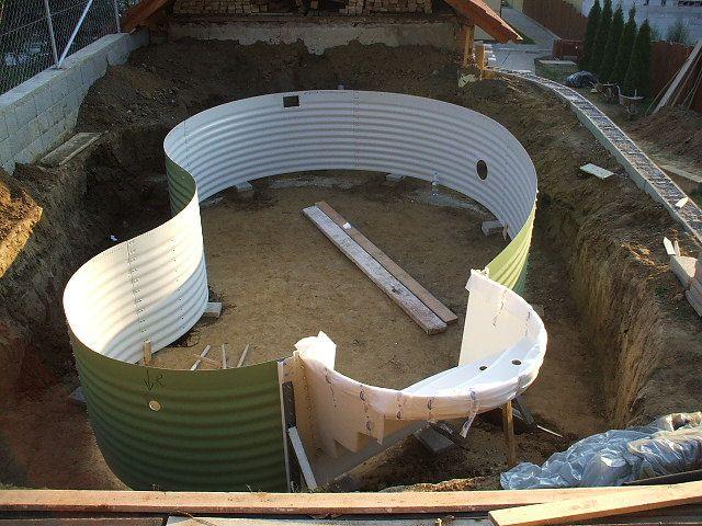 Medence építés gyorsan, pontosan  A medence építés a WATERAIR úszómedencék szerkezetének és a szabadalmazott technológiának köszönhetően nagyon egyszerű, és mindössze néhány napot vesz igényb…