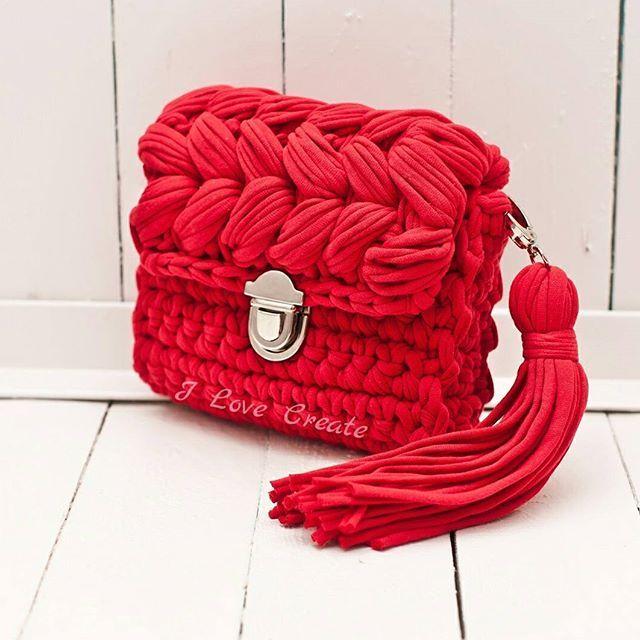 А как вы встречаете весну?я радуюсь ярким весенним заказам на сумочки Размер 20*18*6 см Цена 700 грн с подкладкой, 600 грн без подкладки Состав: хлопок 100%, подкладка креп-сатин Для заказа Viber/direct, 099 28 58 726 #handmade #crocheting #crochetbags #bags #trend2017 #cloutch #i_love_create #madeinukraine #вяжуназаказ #сумкикрючком #сумкиручнойработы #дизайнерскиесумки #сумкивналичии #сумкиназаказ #сумканацепочке #модныесумки #клатч #модныйклатч #куплюсумку #кроссбоди #мода #заказат...