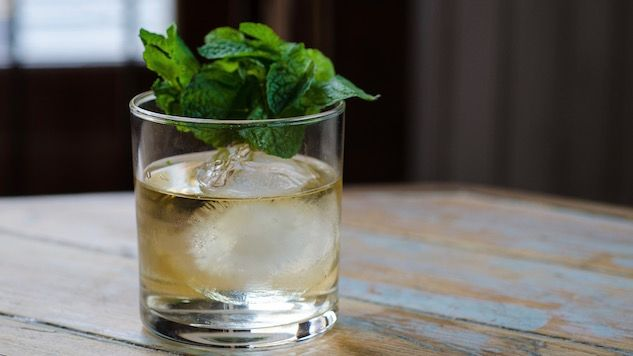 Forget the green beer and cheap shots. Celebrate Irish culture with a bit of class on St. Patrick's Day with these Irish whiskey-based cocktails.
