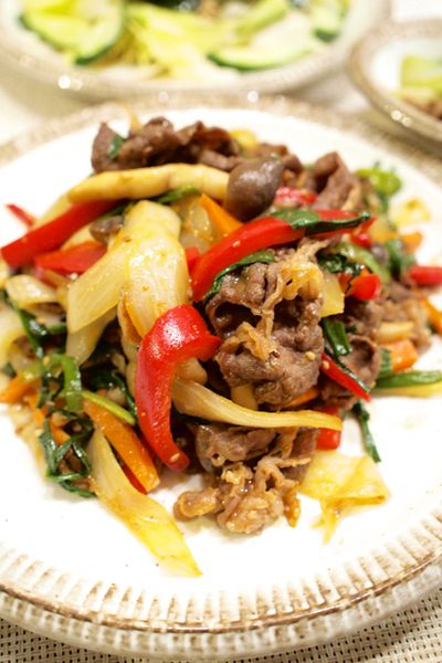 レシピ. 【韓国料理】「牛肉入りスタミナ野菜炒め」&わかめのチョレギサラダで