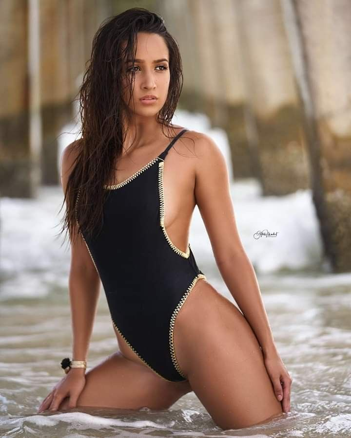 Pin By King Wolf On One Piece In 2020 Bikini Photography Hot Swimwear Bikini Beauty