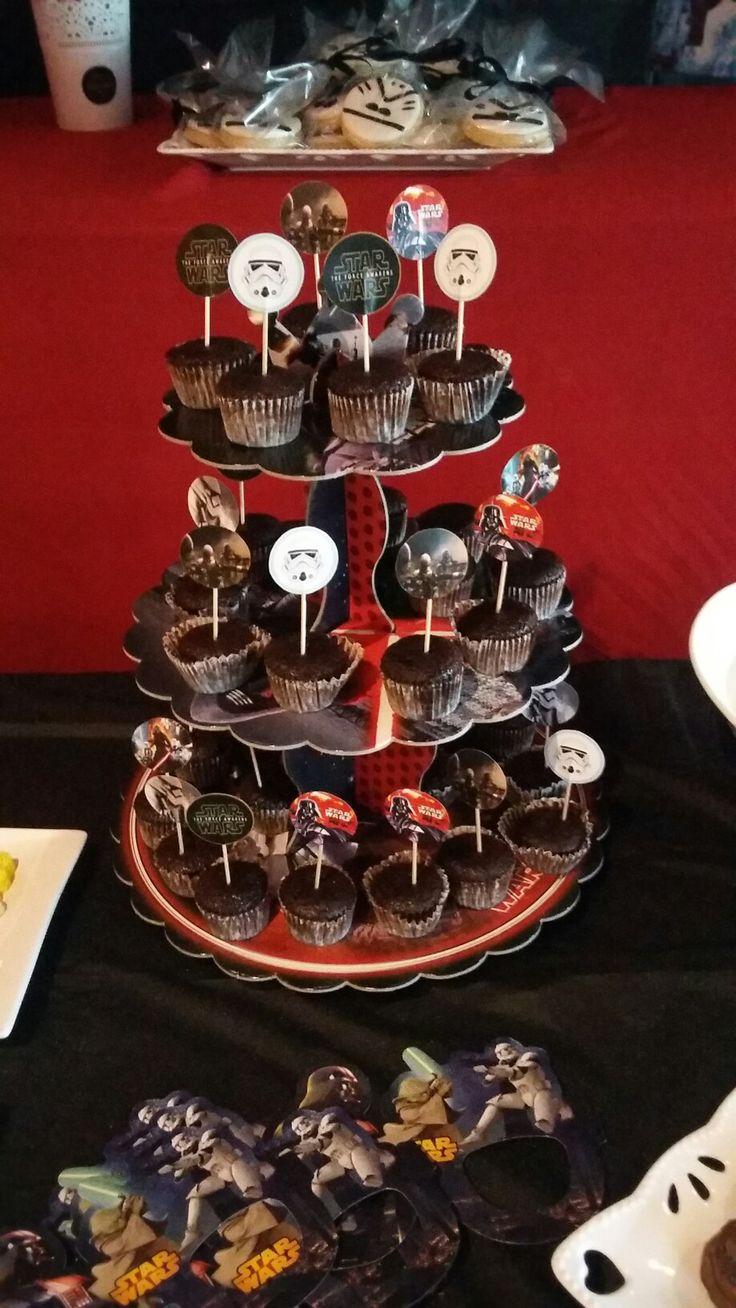 star wars temalı doğum günü partisinin şeker büfesi...