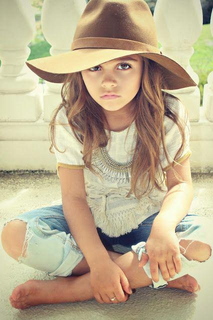 Olha essa princesa! Com sapatinhos Pimpolho o look ia ficar ainda mais estiloso!