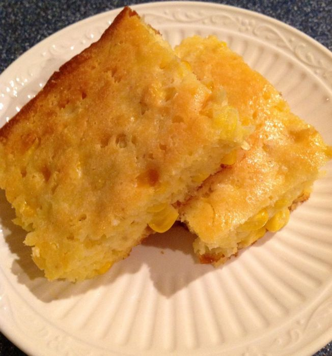 Memphis corn bread. Guess I'll whip this up to go with the baby back ribs