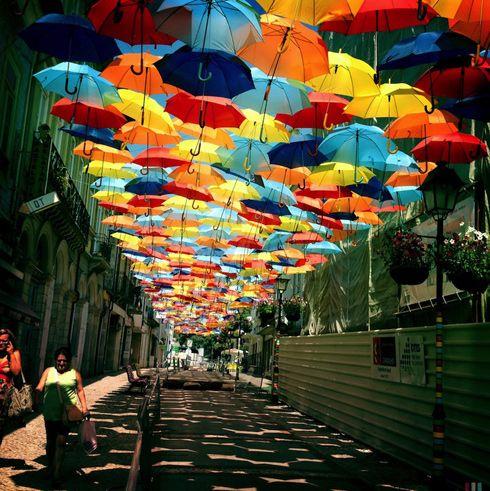 more umbrellas。