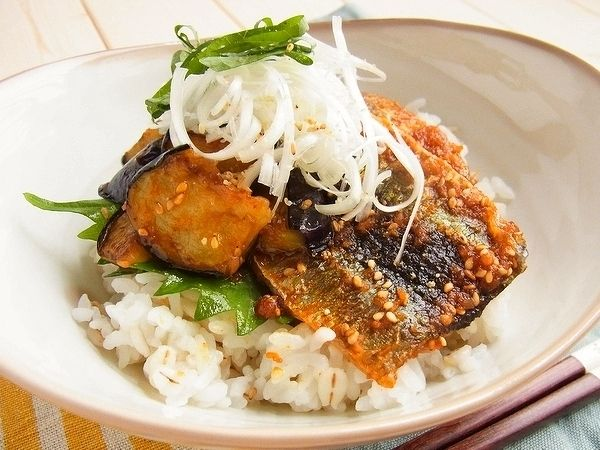 さんまとなすのコチュジャン蒲焼き丼 by 庭乃桃 | レシピサイト「Nadia | ナディア」プロの料理を無料で検索