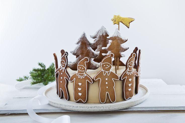 Årets julekake er en pepperkake-kake. Klikk her for å komme til oppskriften.
