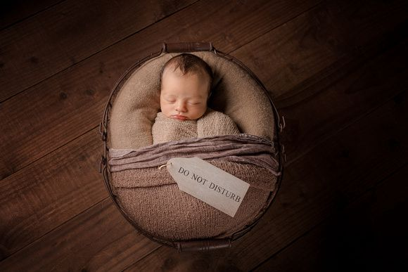 Newborn photography aberdeen by award winning photographer and mum of 6 donna gray aswpp an