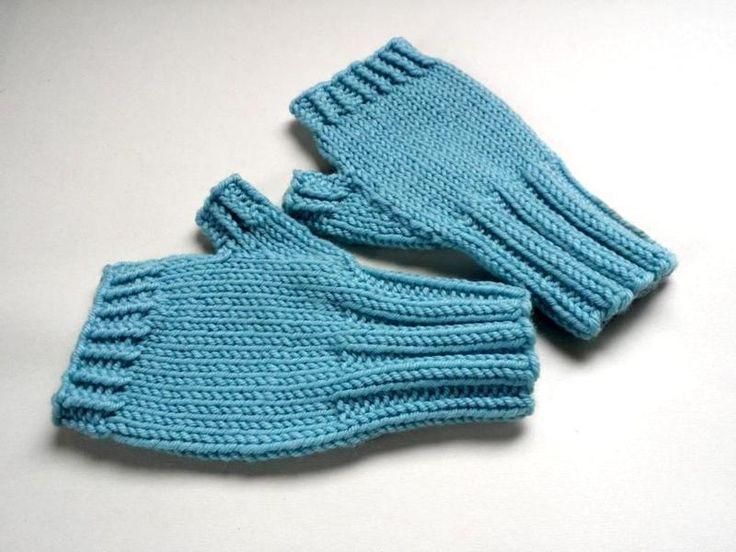 Fingerlose Handschuhe Kleinkind Blau Armstulpen, reine Schurwolle Preis: 12,50 € Hier klicken