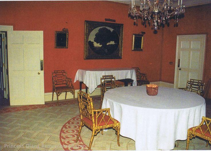 50ef09bd24ce8efcecb058a8cc36413c Princess Diana Rare Family Dining Rooms