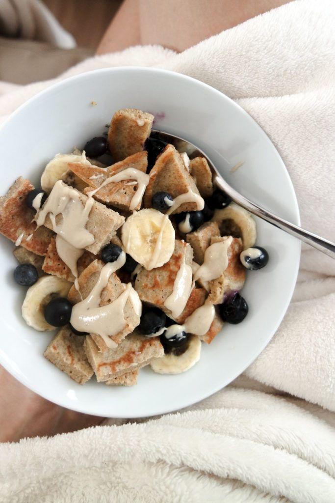 Bananenpfannkuchen Power Bowl. Das perfekte gesunde, saubere Essen Frühstücksrezept …   – Meine Rezepte