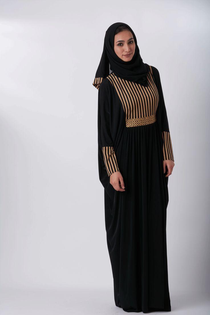 Stripped Abaya