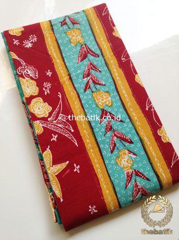 Sarung Batik Tulis Warna Marun Tumpal Tosca | #Indonesia Traditional #Batiks Tulis #Design. Hand-dyed #Fabric #Textiles Process http://thebatik.co.id/kain-batik-bahan/batik-tulis/