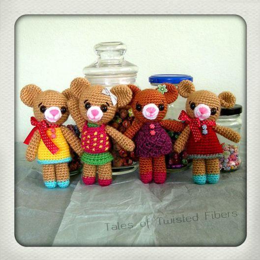 Amigurumi Teddy Bears | Tales of Twisted Fibers (Link to Free Pattern)