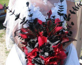Ramo de boda broche rojo y negro boda vampiro por TheBridalFlower