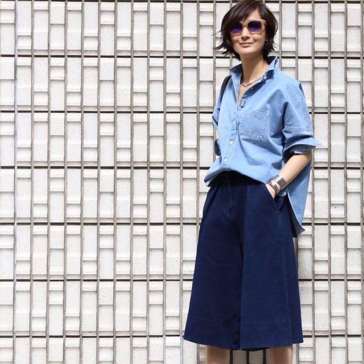 "3,109 Likes, 16 Comments - TOMIOKA YOSHIKO OFFICIAL (@yoshikotomioka) on Instagram: ""#outfit  Tシャツは着丈と程よいゆとりが良くてmen'sのSサイズを着用しています。"""