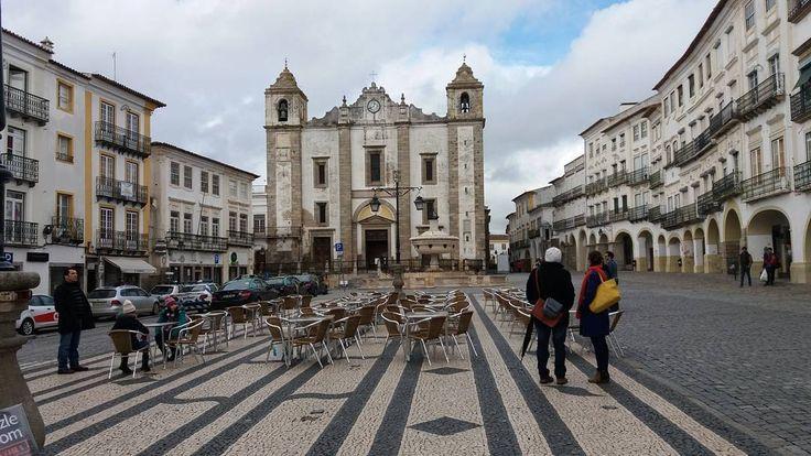 """29 Gostos, 1 Comentários - Bibiana Elena (@bibielena) no Instagram: """"Domingão... Évora é o nosso destino! #lindo #evora #naestrada #portugal #viajantes #amomuito #trip"""""""