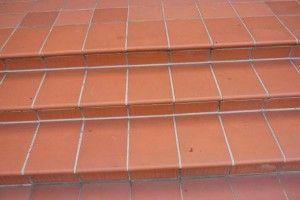 Terrasse, Treppen, Fliesen – ausbessern, reparieren, Feuchtigkeitsschutz - http://penz-bautenschutzstoffe.de/terrasse-treppen-fliesen-ausbessern-reparieren/