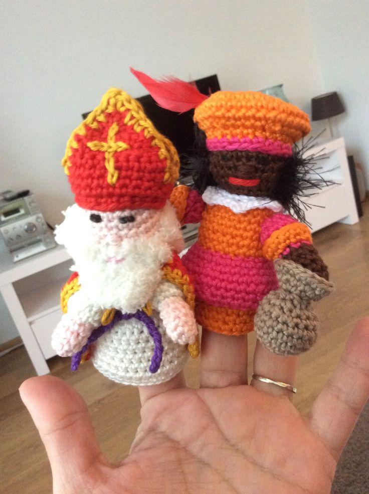 Sinterklaas en Zwarte Piet. Vingerpoppetjes.